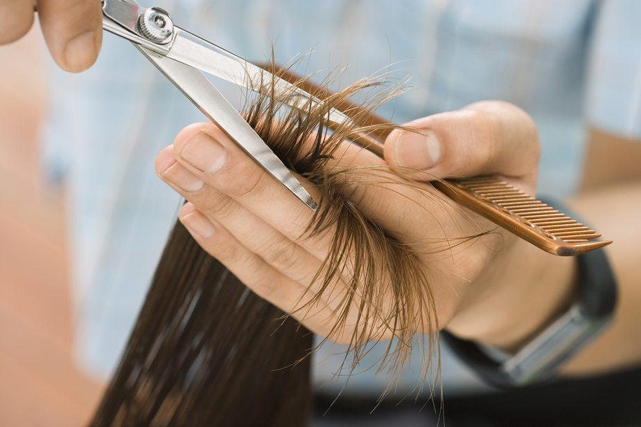 ¿Qué materiales necesito para cortarme el cabello en casa?